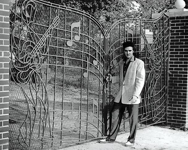 elvis_graceland-1957